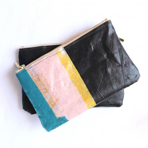 The hybird | upcycled plastic/ vegan leather